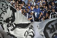 BOGOTA - COLOMBIA - 05-03-2013: Hinchas de Millonarios, celebran el gol anotado a San José de Oruro de Bolivia, en el estadio Nemesio Camacho El Campín de la ciudad de Bogotá, partido por el grupo 5 de la Copa Libertadores 2012, marzo 5 de 2013.  (Foto: VizzorImage / Luis Ramírez / Staff).  Fans of Millonarios celebrate a goal scored against  San Jose of Oruro from Bolivia as part of group 5 the Copa Libertadores 2013,  at Nemesio Camacho El Campin Stadium in Bogota city, on March 5, 2013, (Photo: VizzorImage / Luis Ramirez / Staff)