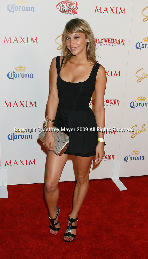 Maeve hot stella Stella Maeve