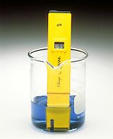 pH METER & INDICATOR: BROMOTHYMOL BLUE pH Range 3.5-9.5 <br /> (2 of 3)<br /> Sodium hypochlorite(aq) has a pH >7. Indicator color is blue.