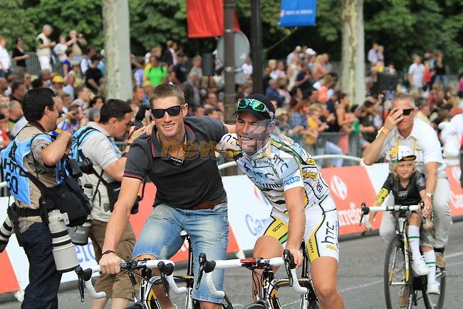 Mark Renshaw (AUS) and Mark Cavendish HTC-Columbia part of the team parade at the end of the final Stage 20 of the 2010 Tour de France running 102.5km from Longjumeau to Paris Champs-Elysees, France. 25th July 2010.<br /> (Photo by Eoin Clarke/NEWSFILE).<br /> All photos usage must carry mandatory copyright credit (© NEWSFILE | Eoin Clarke)