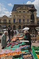 Europe/France/Normandie/Basse-Normandie/50/Manche/Cherbourg:  Le Marché et le théatre //   France, Manche, Cotentin, Cherbourg,  Market and theater