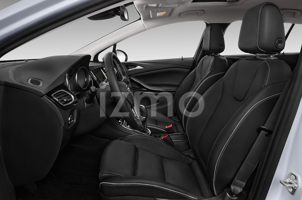 Front seat view of 2016 Opel Astra Innovation 5 Door Wagon Front Seat  car photos