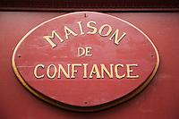 Europe/France/Languedoc-Roussillon/66/Pyrénées-Orientales/Perpignan: Bar: Le Baron 6, rue du Théâtre _ Enseigne en façade
