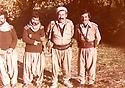 Iraq 1982.In the center, Failak Eddine Kakai, peshmerga in Lolan   Irak 1982 Au centre, Failak Eddine Kakai avec des peshmergas dans le Lolan