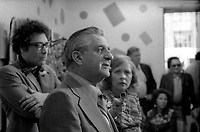 Le chef du NPD Daniel Lewis<br />  en visite dans le compte de Saint-Jacques, le 4 juin  1974<br /> <br /> PHOTO D'ARCHIVE : Agence Quebec Presse - Alain Renaud
