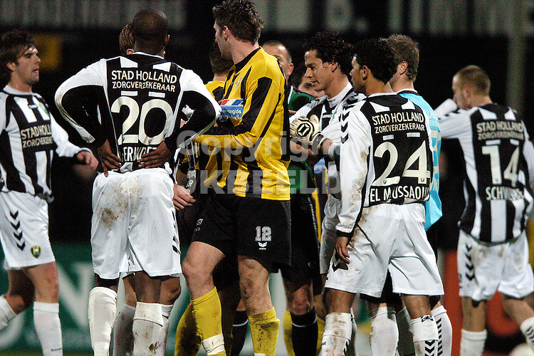 voetbal bv veendam - ado den haag jupiler league 25-01-2008.opstootje.fotograaf Jan Kanning