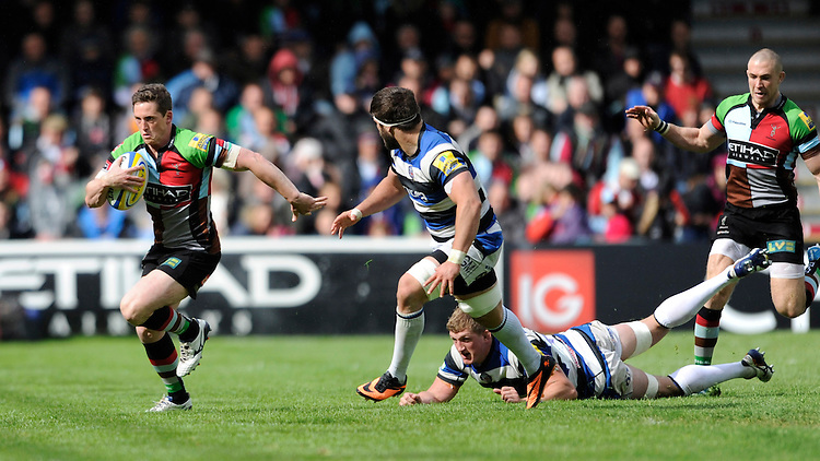 Tom Williams of Harlequins breaks down the wing during the Aviva Premiership match between Harlequins and Bath Rugby at The Twickenham Stoop on Saturday 10th May 2014 (Photo by Rob Munro)