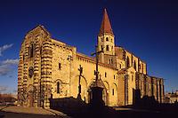 Europe/France/Auvergne/63/Puy-de-Dôme/Ennezat: L'église Saint-Victor (ancienne collégiale Saint-Victor et Sainte Couronne)