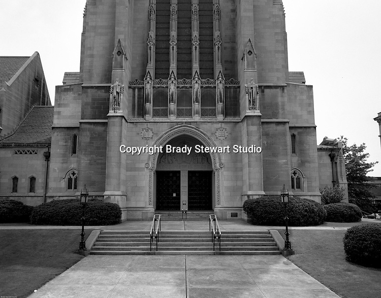 East Liberty PA: View of the main entrance of the East Liberty Presbyterian Church.<br /> Brady Stewart Jr and Carmen Sabatasso photographed the interior and exterior of the church in 1976. View of the Main Entrance of the East Liberty Presbyterian Church in Pittsburgh.