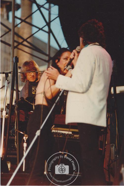 Grace Slick, Mickey Thomas & Paul Kantner of Jefferson Starship , NYC 1981 Pier 84