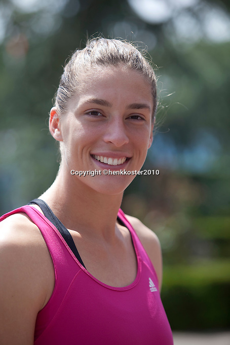 17-06-10, Tennis, Rosmalen, Unicef Open, Persconferentie Daviscup, Andrea Petkovic