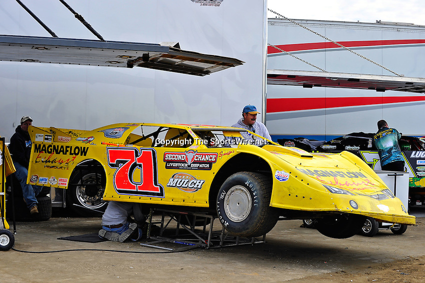Feb 12, 2011; 5:28:40 PM; Gibsonton, FL., USA; The Lucas Oil Dirt Late Model Racing Series running The 35th annual Dart WinterNationals at East Bay Raceway Park.  Mandatory Credit: (thesportswire.net)