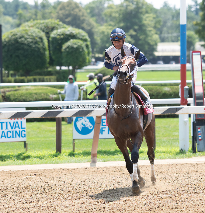 Our Country ridden by Manuel Franco wins the first race od Whitney day at Saratoga Race course