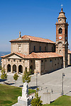Italien, Piemont, Langhe, Diano d'Alba: Kirche San Giovanni Battista | Italy, Piedmont, Langhe, Diano d'Alba: church San Giovanni Battista