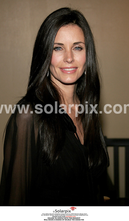 ALL ROUND PICTURES FROM SOLARPIX.COM..13.10.06 - Courteney Cox Arquette - The Tripper Los Angeles Premiere - Mann's Chinese 6 - Hollywood, USA. .Job Ref: 2916 PHZ..MUST CREDIT SOLARPIX.COM OR DOUBLE FEE WILL BE CHARGED.