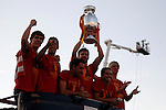 02.07.2012. (L to R) Llorente, Busquets, Xavi, Pique, Pedro and Torres during Tour of Madrid of the Spanish football team to celebrate their victory in Euro 2012 july 2012.(ALTERPHOTOS/ARNEDO)