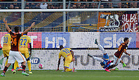 Calcio, Serie A: Frosinone, stadio Comunale, 12 settembre 2015.<br /> Roma's Iago Falque, right, celebrates after scoring during the Italian Serie A football match between Frosinone and Roma at Frosinone Comunale stadium, 12 September 2015.<br /> UPDATE IMAGES PRESS/Riccardo De Luca