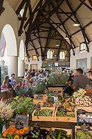 France, Pas-de-Calais (62), Côte d'Opale, Le Touquet: Le marché  //  France, Pas de Calais, Cote d'Opale (Opal Coast), Le Touquet: the market