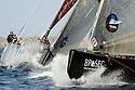 Louis Vuitton Trophy La Maddalena 1 giugno 2010. Concitato approccio in boa durante una regata che ha opposto Emirates Team New Zealand agli svedesi di Artemis