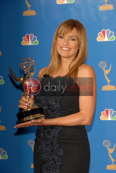 Mariska Hargitay<br />in the Press Room at the 58th Annual Primetime Emmy Awards. The Shrine Auditorium, Los Angeles, CA. 08-27-06<br />Scott Kirkland/DailyCeleb.com 818-249-4998