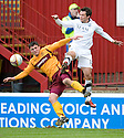 :: MOTHERWELL'S JOHN SUTTON AND ABERDEEN'S DEREK YOUNG CHALLENGE FOR THE BALL ::