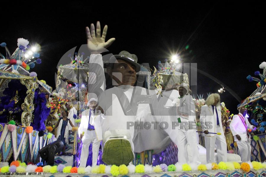 SÃO PAULO, SP, 05 DE MARÇO DE 2011 - CARNAVAL 2011 / NENÊ DE VILA MATILDE - Integrantes da Nêne de Vila Matilde durante o segundo dia dos desfiles as escolas do Grupo Especial de São Paulo, no Sambódromo do Anhembi, zona norte da capital paulista, na noite deste sábado (05). (FOTO: ALE VIANNA / NEWS FREE).