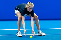 Alphen aan den Rijn, Netherlands, December 16, 2018, Tennispark Nieuwe Sloot, Ned. Loterij NK Tennis, Ballgirl in Action<br /> Photo: Tennisimages/Henk Koster
