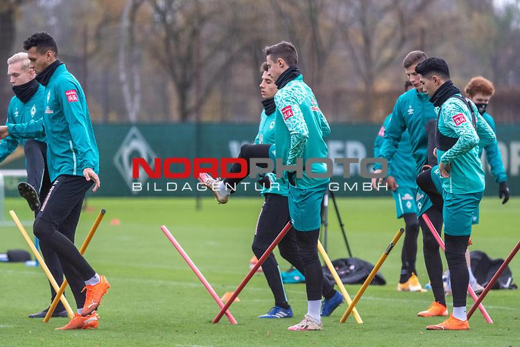 16.11.2020, Trainingsgelaende am wohninvest WESERSTADION - Platz 12, Bremen, GER, 1.FBL, Werder Bremen Training<br /> <br /> <br /> Davie Selke  (SV Werder Bremen #09)<br /> Marco Friedl (Werder Bremen #32)<br /> Ilia Gruev (Werder Bremen #28)<br /> Felix Agu (Werder Bremen / #17)<br /> <br /> <br /> Foto © nordphoto / Kokenge *** Local Caption ***