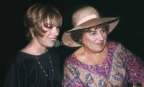 Shirley McLaine and Bella Abzug 1978<br /> Photo By Adam Scull/PHOTOlink.net /MediaPunch