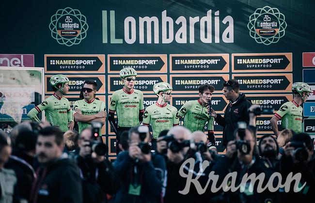 Rigoberto Uran (COL/Cannondale-Drapac) and his teammates at sign-on<br /> <br /> Il Lombardia 2017<br /> Bergamo to Como (ITA) 247km