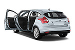 Car images of a 2014 Ford FOCUS 5P 107kW Electric 142 ch 5 Door Hatchback 2WD Doors
