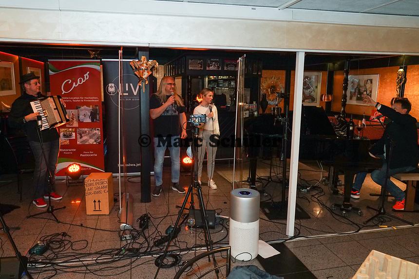 Sven und Lea Hieronymus zu Gast beim Livestream-Pianoabend von Ralf Baitinger - Moerfelden-Walldorf 27.02.2021: Pianoabend mit Ralf Baitinger & Friends