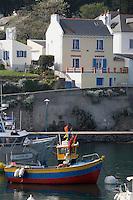 Europe/France/Bretagne/56/Morbihan/Belle-Ile/Sauzon: le port de pêche - bateau de pêche et maisons des pêcheurs