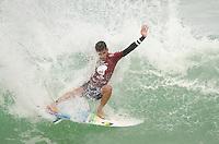 RIO DE JANEIRO, RJ, 16.05.2015 - SURF-RJ - O brasileiro Filipe Toledo durante etapa Oi Rio Pro, etapa brasileira do circuito mundial da Wolrd Surf League (WSL), na praia da Barra da Tijuca, na zona oeste da cidade do Rio De Janeiro neste sábado (16). (Foto: João Mattos / Brazil Photo Press)
