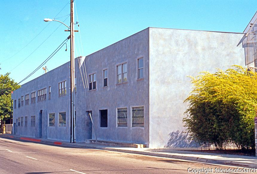 Eric Owen Moss: 8522 National Building. Culver City 1986-1990. Photo 1999.
