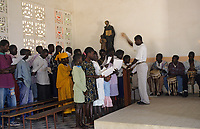 Afrique/Afrique de l'Ouest/Sénégal/Parc National de Basse-Casamance/Diembering : Chorale de la messe Diola
