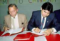 FILE PHOTO -  <br /> <br /> John Ciaccia signe la grande entente avec la nation CREE, circa 199O<br /> <br /> <br /> Photo  :  Denis Alix - Agence Quebec Presse