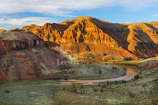 Late evening light along John Day River (upstream of 30 Mile Creek).  OR.  Evening.  Early Spring.
