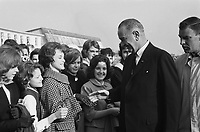 US <br /> Vice President Lyndon Johnson in the Netherlands,November 5, 1963.<br /> <br /> Aafter arriving at Ypenburg,The Hague, he was welcomed by American children in the Netherlands<br /> <br /> Photographer Pot, Harry / Anefo
