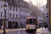 Europe/Allemagne/Forêt Noire/Fribourg : Tram et rue Grunwalderstrasse