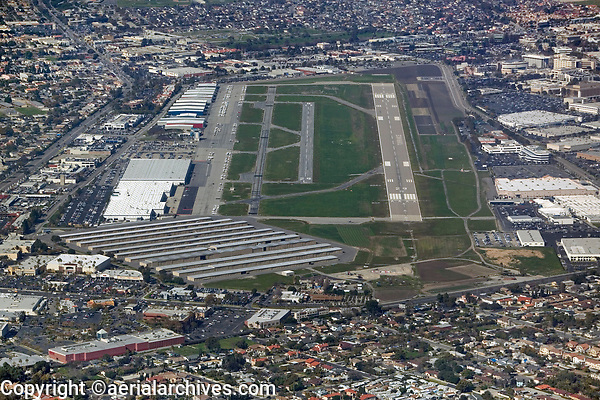 aerial photograph of Zamperini Field, Torrance Municipal airport (TOA) runways 29L and 29R, Torrance, California