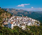 Spanien, Andalusien, Provinz Málaga, Algatocin: weisses Dorf am Fusse der Sierra Bermeja | Spain, Andalusia, Province Málaga, Algatocin: pueblo blanco at Sierra Bermeja mountains
