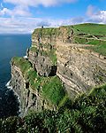 Ireland, County Clare, near Liscannor: The Cliffs of Moher | Irland, County Clare, bei Liscannor: The Cliffs of Moher