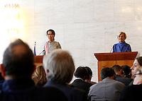 L'attivista birmana e vincitrice del Premio Nobel per la Pace Aung San Suu Kyi tiene una conferenza stampa col Ministro degli Esteri Emma Bonino, a sinistra, alla Farnesina, Roma, 28 ottobre 2013.<br /> Burmese opposition leader and Nobel Prize laureate Aung San Suu Kyi attends a press conference with Italian Foreign Minister Emma Bonino, left, at the Farnesina Foreign Ministry headquarters in Rome, 28 October 2013.<br /> UPDATE IMAGES PRESS/Riccardo De Luca