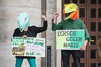 """Am Samstag den 16. Mai 2020 demonstrierten in Berlin an mehreren Orten linke und antifaschistische Organisationen wie die """"Omas gegen Rechts"""", die """"Vereinigung der Verfolgten des Naziregimes/Bund der Antifaschisten"""" (VVN/BdA) und """"Berlin gegen Rechts"""" gegen sog. """"Hygiene-Demonstrationen"""", welche sich gegen die Einschraenkungen zur Eindaemmung der Covid-19-Pandemie richten. An diesen """"Hygiene-Demonstrationen"""" nehmen Verschwoerungsanhaenger, Hooligans, Neonazis und andere Rechte teil.<br /> Im Bild: Antifaschistischer Protest auf dem Rosa Luxemburg-Platz. Hier findet sonst eine """"Hygiene-Demonstration"""" statt.<br /> 16.5.2020, Berlin<br /> Copyright: Christian-Ditsch.de<br /> [NUR FUER REDAKTIONELLE ZWECKE! Werbung nur auf Anfrage beim Fotografen. Inhaltsveraendernde Manipulation des Fotos nur nach ausdruecklicher Genehmigung des Fotografen. Vereinbarungen ueber Abtretung von Persoenlichkeitsrechten/Model Release der abgebildeten Person/Personen liegen nicht vor. NO MODEL RELEASE! Don't publish without copyright Christian-Ditsch.de, Veroeffentlichung nur mit Fotografennennung, sowie gegen Honorar, MwSt. und Beleg. Konto: I N G - D i B a, IBAN DE58500105175400192269, BIC INGDDEFFXXX, Kontakt: post@christian-ditsch.de<br /> Bei der Bearbeitung der Dateiinformationen darf die Urheberkennzeichnung in den EXIF- und  IPTC-Daten nicht entfernt werden, diese sind in digitalen Medien nach §95c UrhG rechtlich geschuetzt. Der Urhebervermerk wird gemaess §13 UrhG verlangt.]"""