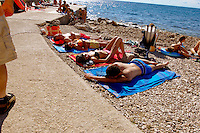 PWP6823-PIRAN-SLEEPING_0910043.jpg