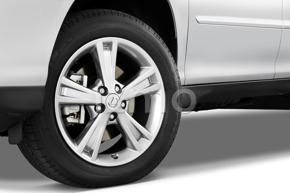 Tire and wheel close up detail view of a 2008 Lexus RX Hybrid