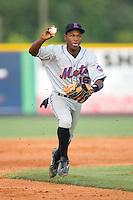 Second baseman Alonzo Harris #16 of the Kingsport Mets chases a Burlington Royals runner towards third base at Burlington Athletic Park July 3, 2009 in Burlington, North Carolina. (Photo by Brian Westerholt / Four Seam Images)