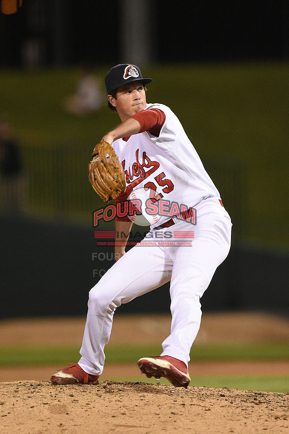Peoria Chiefs pitcher Chris Perry (25) delivers a pitch during a game against the Kane County Cougars on June 2, 2014 at Dozer Park in Peoria, Illinois.  Peoria defeated Kane County 5-3.  (Mike Janes/Four Seam Images)