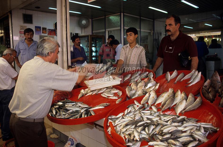 Europe/Turquie/Env d'Altinyata : Le marché, marchand de poissons